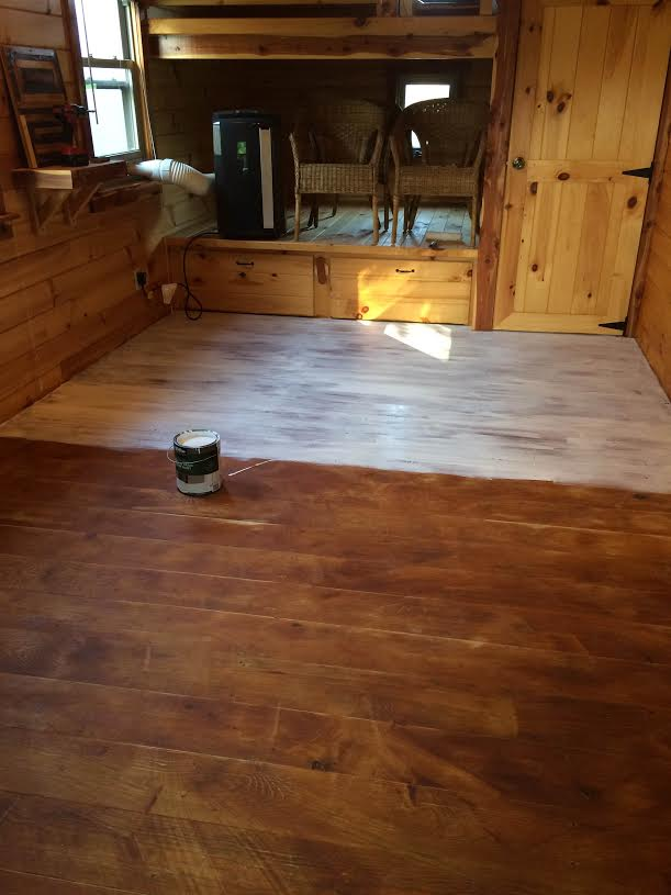 Tiny House Cabin floor white coat